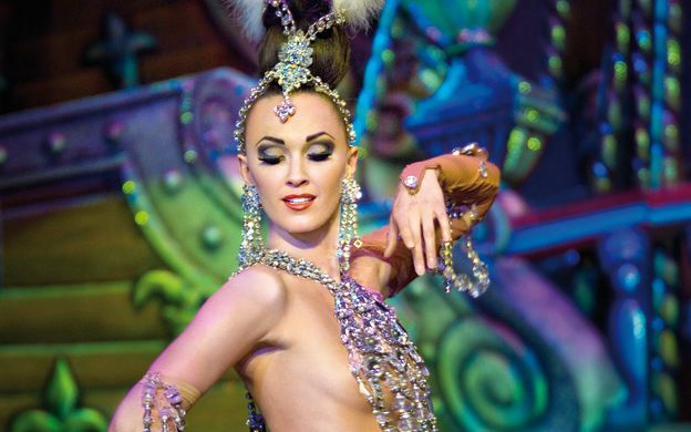 Moulin Rouge 2nd Show with Half Bottle of Champagne & Paris City Tour
