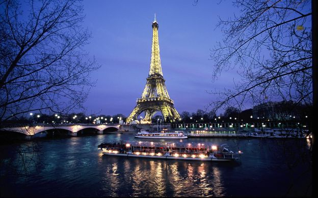 Skip-the-Line Eiffel Tower – 2nd Floor, Seine Dinner Cruise and Moulin Rouge Show