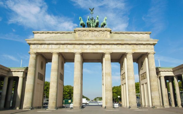 The Famous Insider Walking Tour: Hidden Berlin and All Main Sites