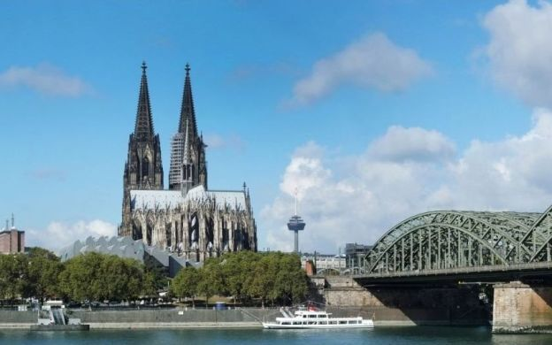KölnCard: Free Access to Public Transport and Discounts on Experiences - Hop-on, Hop-off Buses, Cathedral Tours  & More