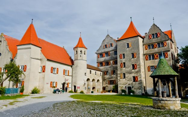Romantic Road Tour: Harburg and Rothenburg – Tour from Munich