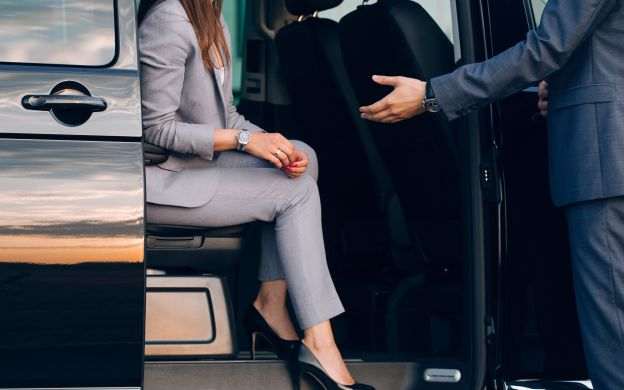 Private Transfers between Athens Airport and your Hotel