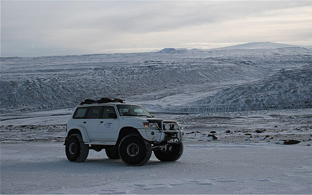 The Golden Circle by Jeep and Snowmobile