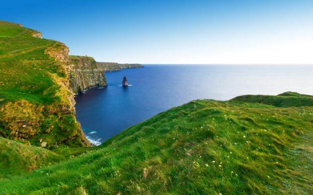 Cliffs of Moher from Dublin: Round-Trip Shuttle Transfer