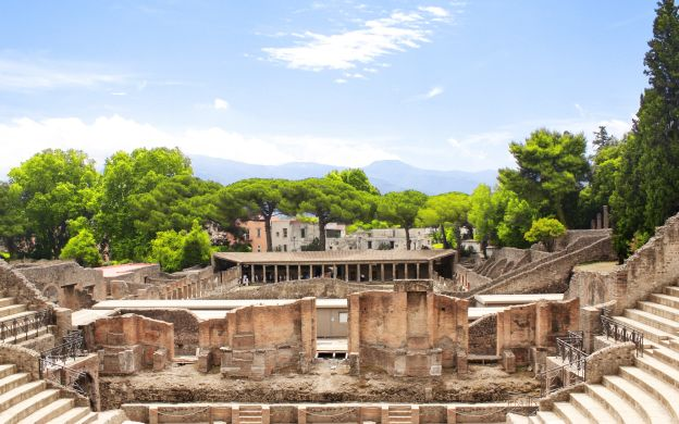 Naples, Pompeii and Vesuvius National Park with Guide and Transfers, from Naples