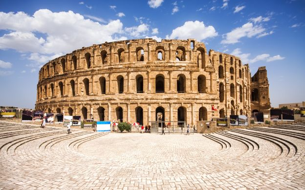 Small Group Tour of the Colosseum, Roman Forum, Palatine Hill – Skip the Line!