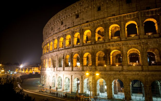 Colosseum Tour: Guided Night Tour with Underground Access