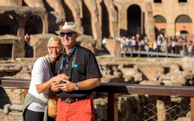 Family Friendly: Small Group Colosseum Guided Tour