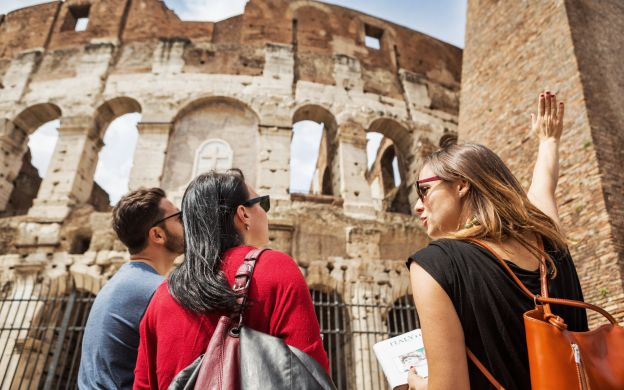 Skip-the-Line Colosseum, Palatine Hill and Roman Forum Tour- With Expert Guide