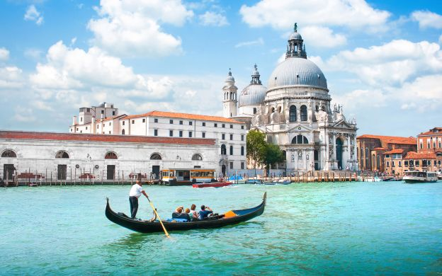 Discover Venice & 30-minute Gondola Ride