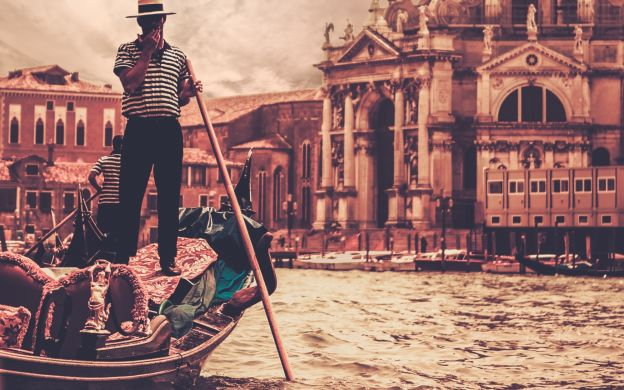 Falling In Love In Venice: Private  Gondola Cruise with Lunch or Dinner at Ai Coristi Restaurant