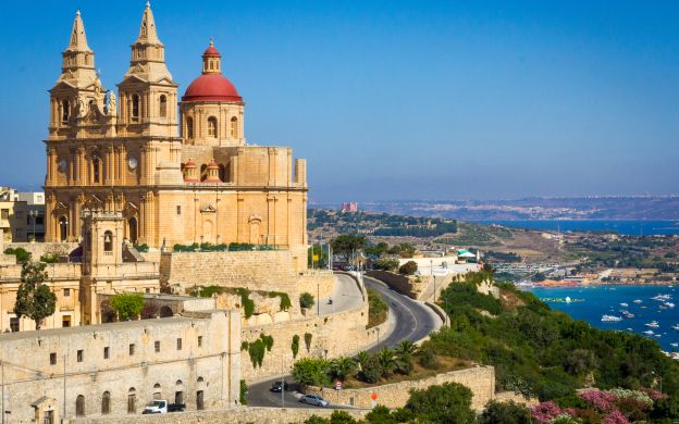 Malta in a Nutshell: Tarxien Temples, Blue Grotto & more!