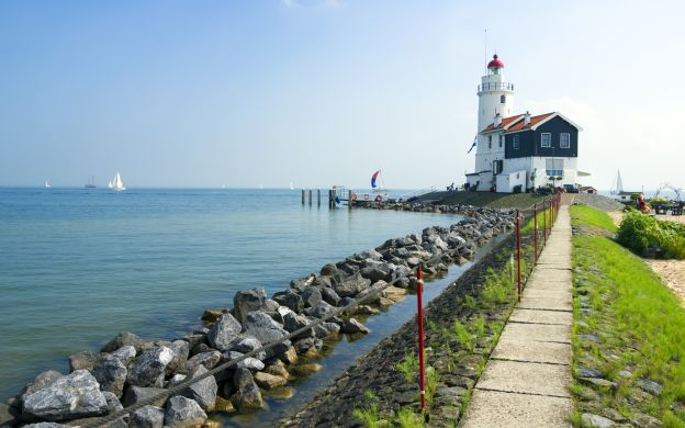 Holland Premium Package - Marken, Volendam, Edam and the Windmills & FREE Canal Cruise - Special Offer