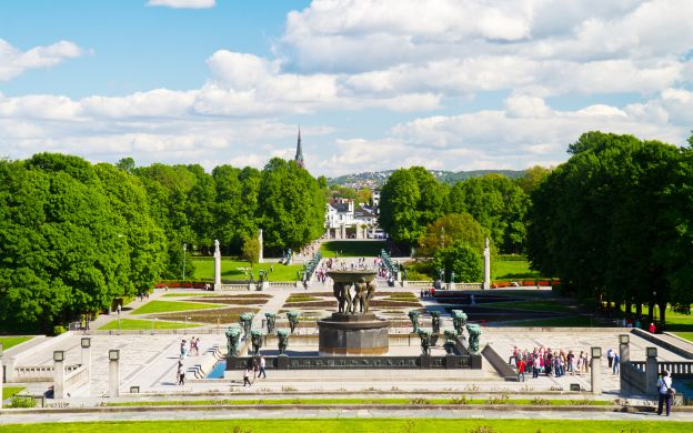 Oslo Sightseeing - Vigeland Sculpture Park, Holmenkollen and more!