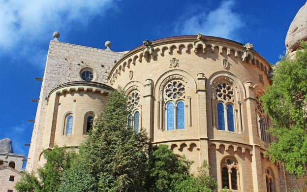 Montserrat Tour: Abbey Visit, Guide, Transfers from Barcelona