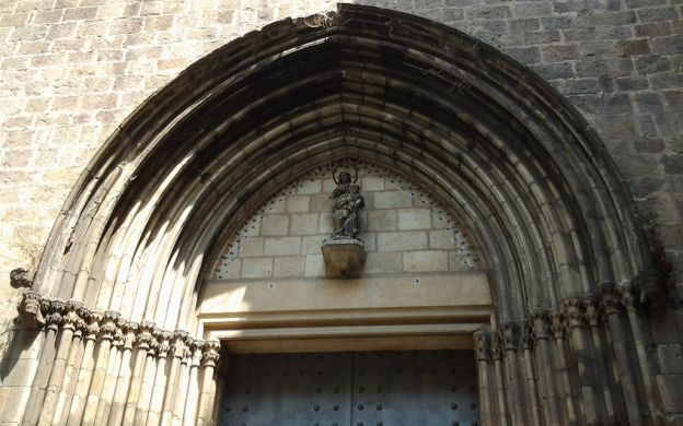 Barcelona Literary Walking Tour- The Shadow of the Wind
