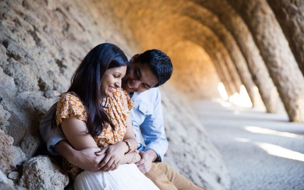 Get Candid in Barcelona: Magic of Park Güell Photoshoot Tour