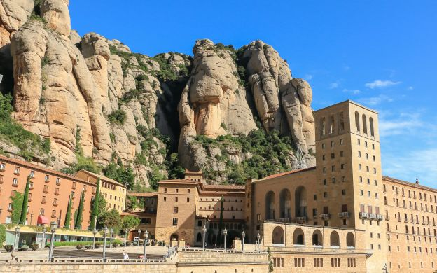 Montserrat Horse-Riding Experience: Monastery Visit, Guide, Transfers from Barcelona