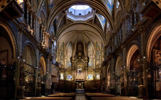 Montserrat Abbey Tour: Guide, Liquor Tasting, Transfers from Barcelona