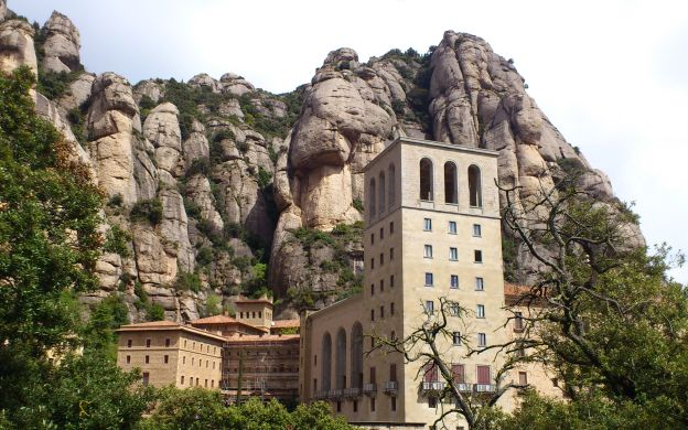 Montserrat Visit and Gaudi Highlights Tour in Barcelona