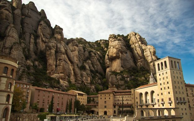 Montserrat from Barcelona: Afternoon Tour, Guide