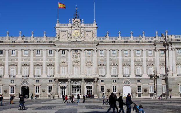 Madrid in a Nutshell: Royal Palace, Plaza de España and more!