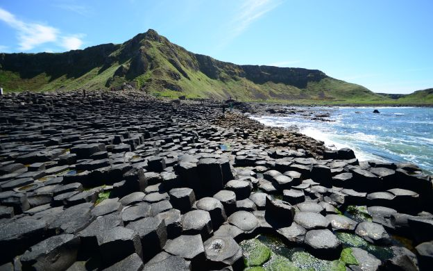 Coastline Charms: Low Priced Value Tour of Giant's Causeway from Belfast with Optional Add-Ons