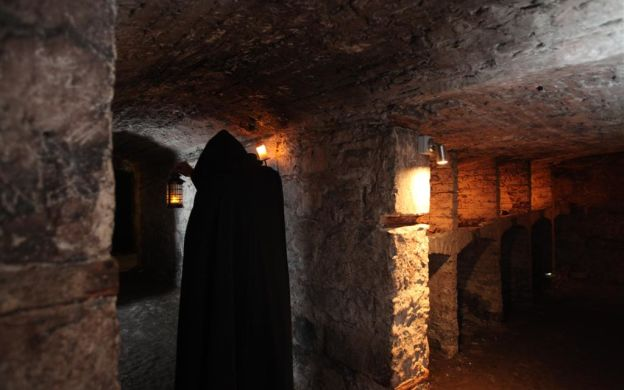Edinburgh Ghost Tour – Tour for Adults