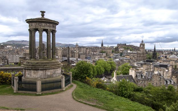 The Edinburgh Grand Ticket: Three Hop-On, Hop-Off Bus Tours - 48 hours