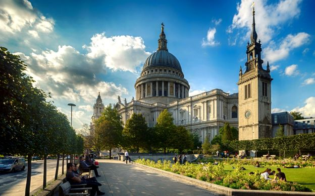 Tower of London, St Paul's Cathedral Visit, Cruise & Jack the Ripper Tour