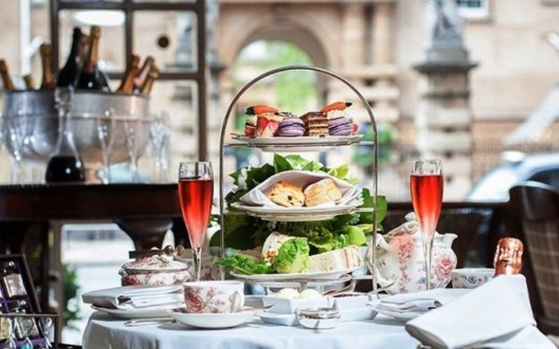 Afternoon Tea at The Rubens Hotel and Buckingham Palace State Rooms Tour