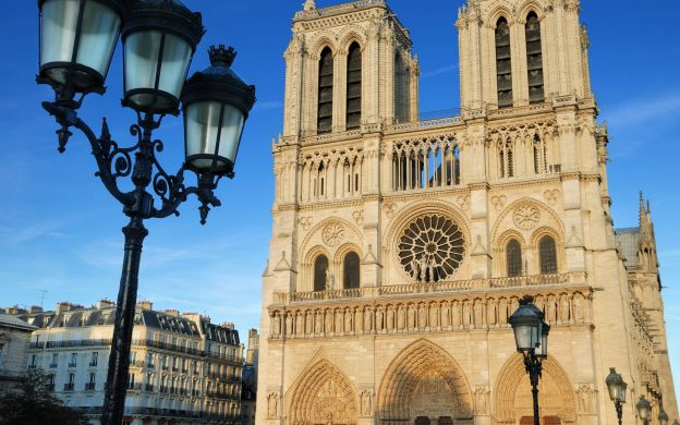 Paris Day Trip from London – With Sightseeing Tour and Transport Pass