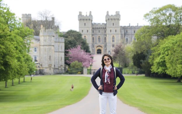 Windsor Castle, Stonehenge & Oxford Tour with Guide and Entrance