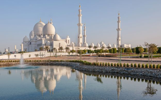 Abu Dhabi from Dubai: Private Tour, Sheikh Zayed Mosque, Ferrari World