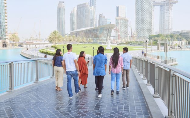 Dubai's Best Bits – City Tour with traditional Emirati Lunch