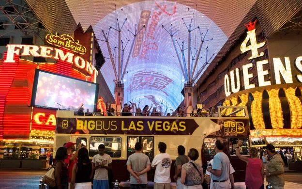 Big Bus Las Vegas: Hop-On, Hop-off Bus Tour – Premium Ticket