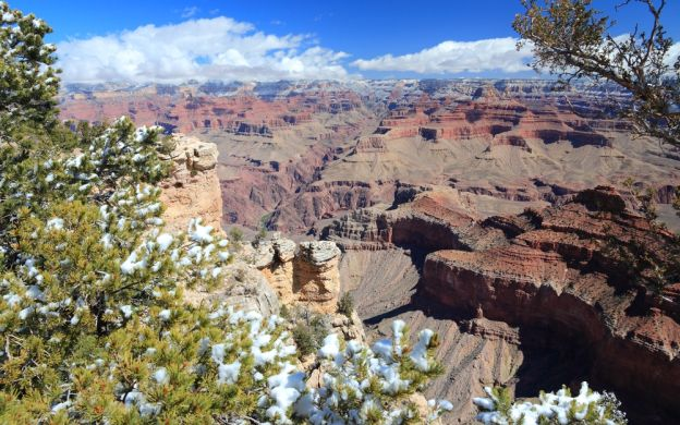 Grand Canyon West Rim by Coach with Helicopter, Cruise & Optional Skywalk