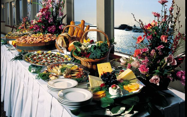 Champagne Brunch Cruise from Marina del Rey or Newport Beach