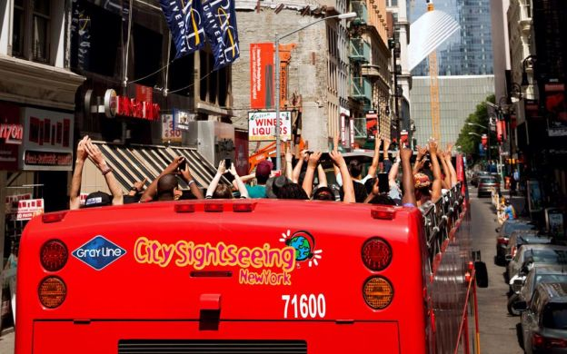 City Sightseeing New York: Hop-On, Hop-Off Downtown Tour with One World Observatory and 9/11 Tribute Centre – Save 28%!