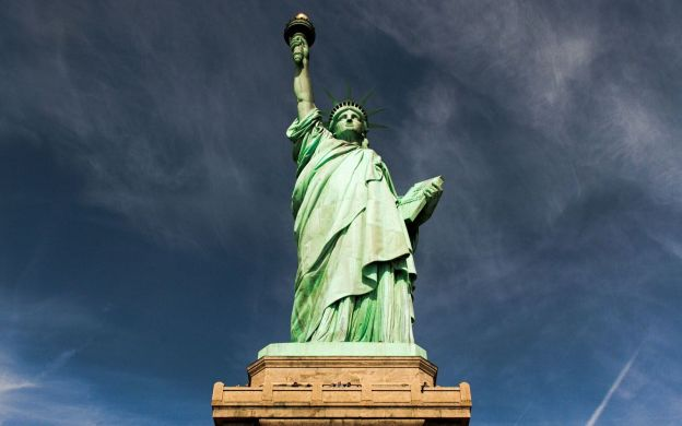 The Statue of Liberty & World Trade Centre Tour: Ellis Island, 9/11 Sites and One World Observatory