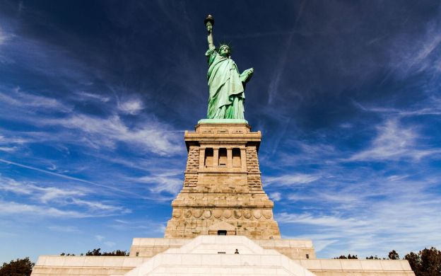 Privileged Access to the Statue of Liberty Pedestal and Ellis Island Tour