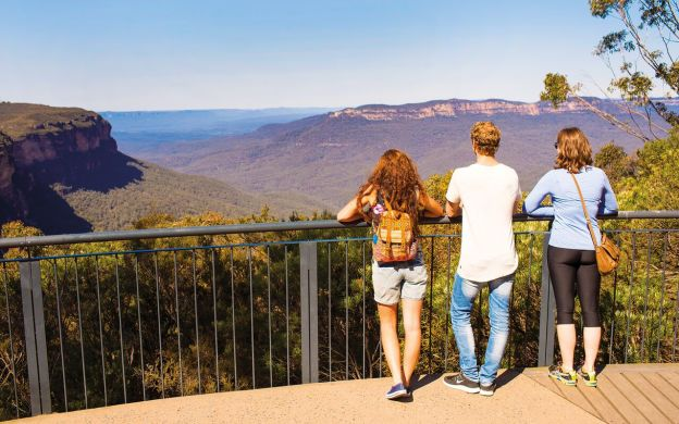 Blue Mountains Tour: Three Sisters, Scenic World Rides, Featherdale Wildlife, Cruise & Lunch