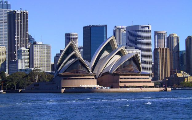 Morning City Tour & Sydney Opera House with Hotel Pick-Up