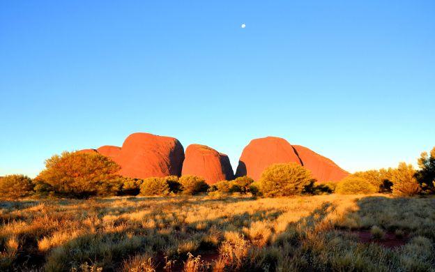 Overnight Uluru Tour with Dinner, Tent Accommodation and Mala Walk