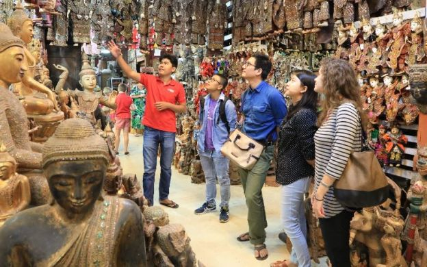 Mandalay Guided Shopping Tour