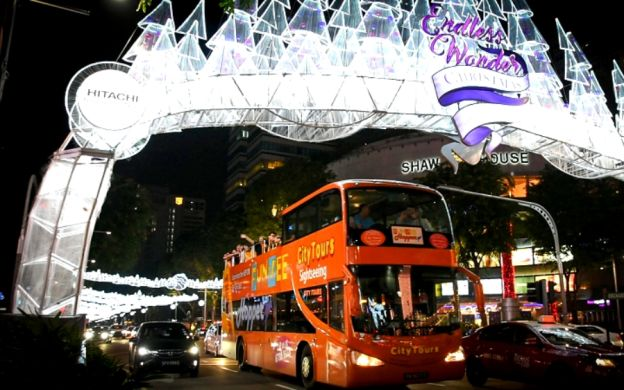 FunVee Night Tour: Visit Gardens by the Bay, Boat Tour & Marina Bay Sands Upgrade