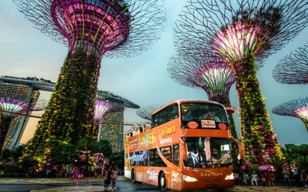 Singapore FunVee Night City Rider To Visit Iconic Highlights