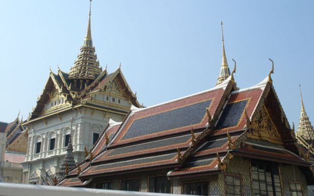 Chiang Rai Calls: Half Day Tour of Wat Phra Kaew, Wat Phra Sing, Ob Khum Museum and Fresh Market in the City