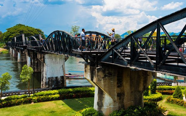 Day Tour of Kanchanaburi, Nakhon Pathom and Sai Yok Noi Waterfalls