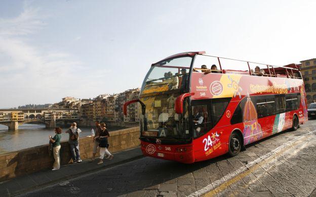 City Sightseeing Florence: Hop-On, Hop-Off Bus Tour & Da Vinci's Museum Skip-the-Line Ticket